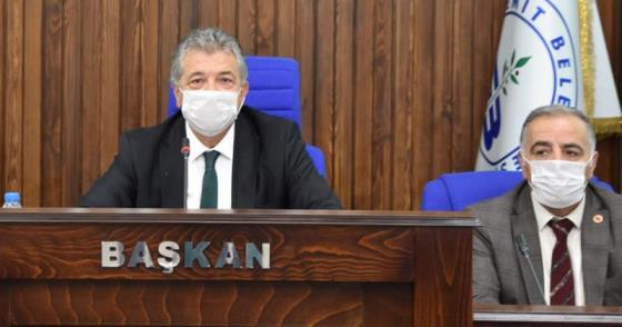 BAZEN SİYASET SUSAR, BÜROKRASİ SUSAR!