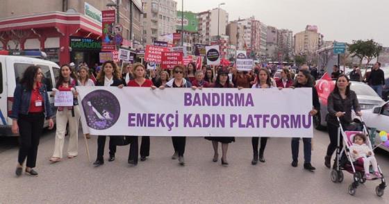 "EMEKÇİ KADINLARDAN ""SÜT"" HABERİNE KINAMA"