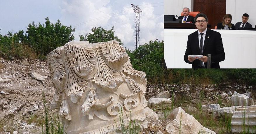 """""""ANTİK KENT TALAN EDİLİYOR"""""""